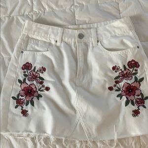 PAC sun white denim floral embroidered skirt